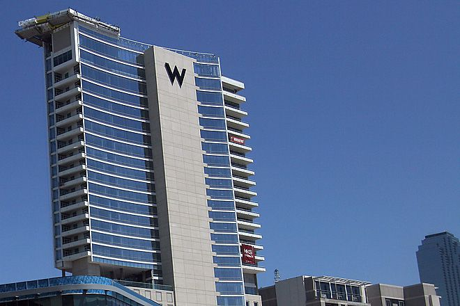 A suite at the W Dallas Victory Hotel & Residences was among the places  Tobechi Onwuhara and his gang of fellow Nigerians set up shop, using cellphones, laptop computers and cyber savvy to hit a criminal jackpot.