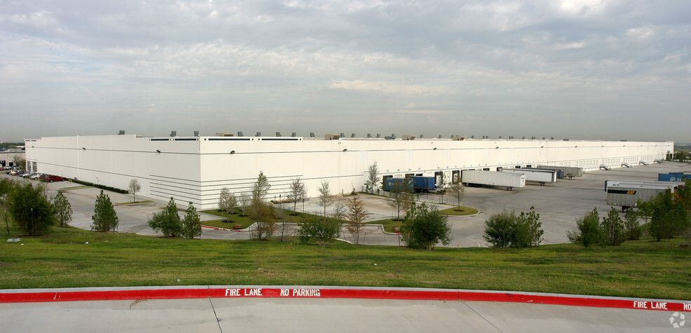 Neiman Marcus plans to expand operations at its West Dallas distribution center in Pinnacle Park. The 470,250-square-foot building is one of two -- the other is in Pennsylvania -- where the retailer said it plans to modernize operations for its future growth.