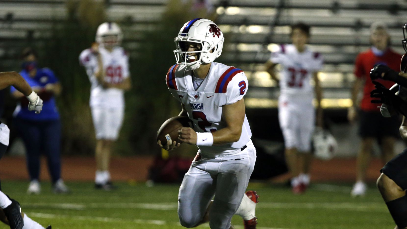 Parish Episcopal QB Preston Stone (2) finds an opening and advances for a touchdown during the first half of high school football game against Bishop Lynch at Roffino Stadium in Dallas on Friday, September 25, 2020.