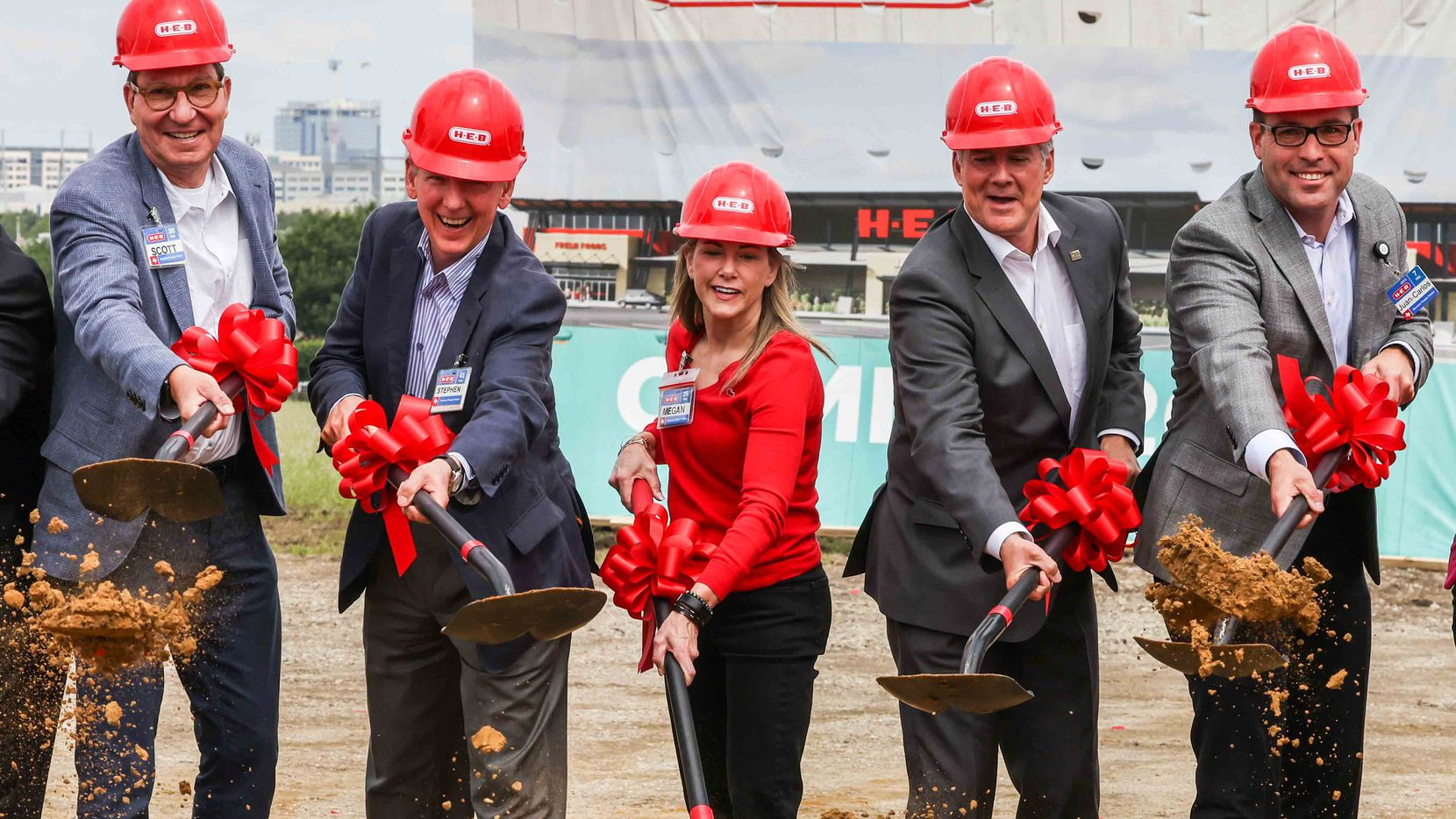 from left, H-E-B president food/drug Scott McClelland, Central Market president Stephen Butt, Megan Rooney, H-E-B chief financial officer, Plano Mayor John Muns, and Executive vice president Juan-Carlos Rück during the groundbreaking ceremony for the Plano H-E-B store on Friday, June 4, 2021, that is planned to open in fall 2022.