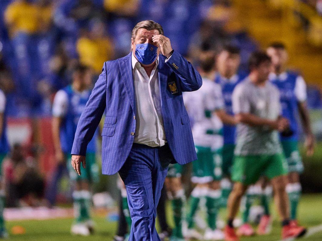 Miguel Herrera no ha tenido un buen inicio dirigiendo a Tigres y ahora sufre el robo de su casa en Ciudad de México.