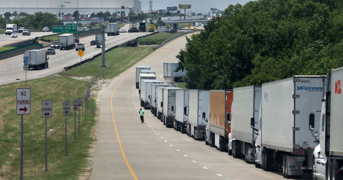 'It's like this every day': Amazon fulfillment center in Dallas forces truck drivers to wait for hours to unload