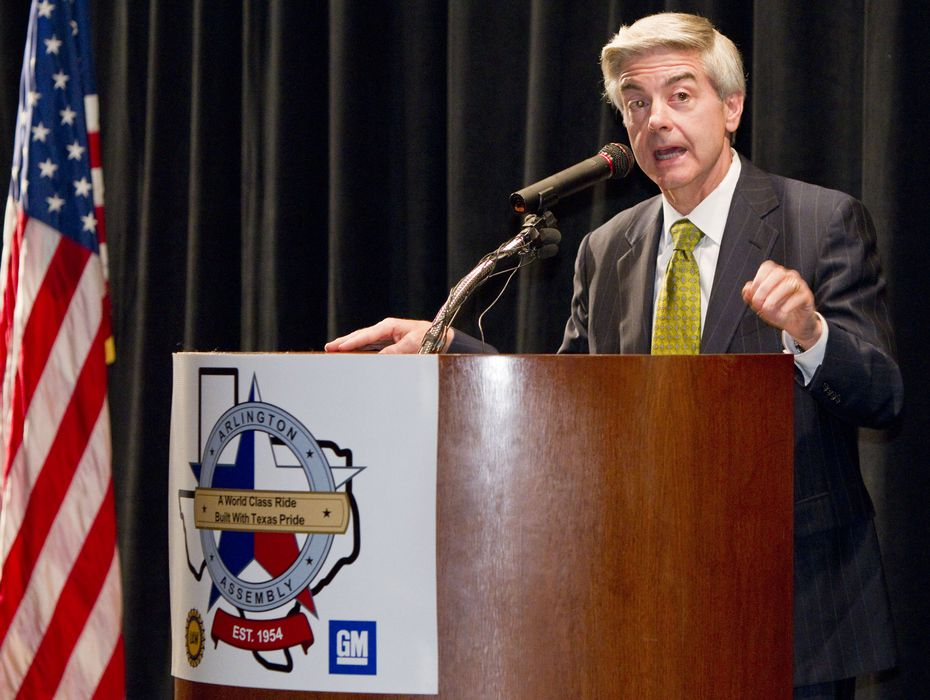 Victor Vandergriff took the blame Thursday for the Texas Transportation Commission having missed an opportunity last month to get the $1.8 billion LBJ East project in motion. Vandergriff received a standing ovation from members of the Regional Transportation Council after confirming he was retiring from the state commission.