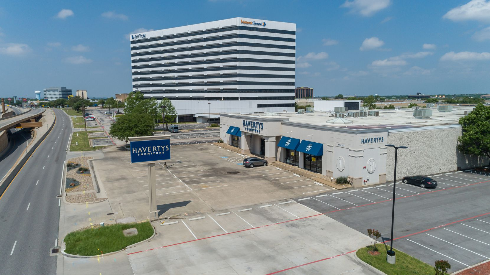 The former Haverty's Furniture building on LBJ Freeway in Farmers Branch sold to a local investor.