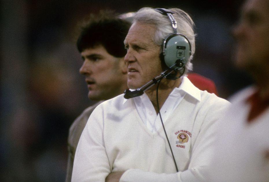 El entrenador de los San Francisco 49ers, Bill Walsh, fue una gran influencia para que el dueño de los Dallas Cowboys, Jerry Jones, decidiera ingresar a la NFL.