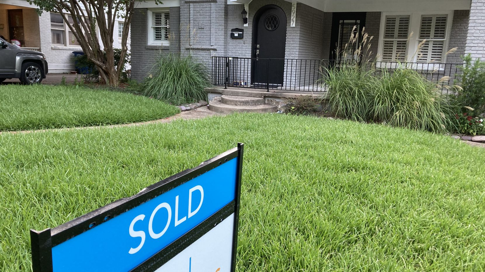 Texas' big cities have younger home buyers.