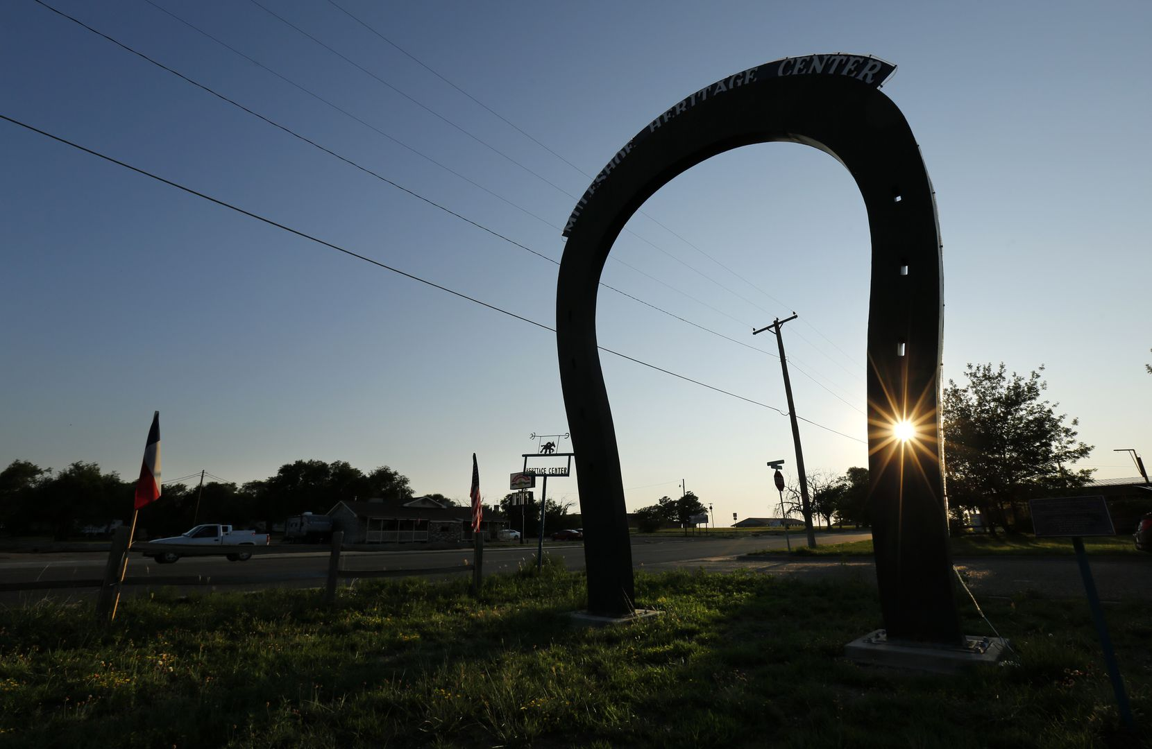 Muleshoe boasts of having the world's largest muleshoe, which was erected in 1994 along U.S. Hwy 84. It is also the hometown of Oklahoma Sooners head football coach Lincoln Riley.