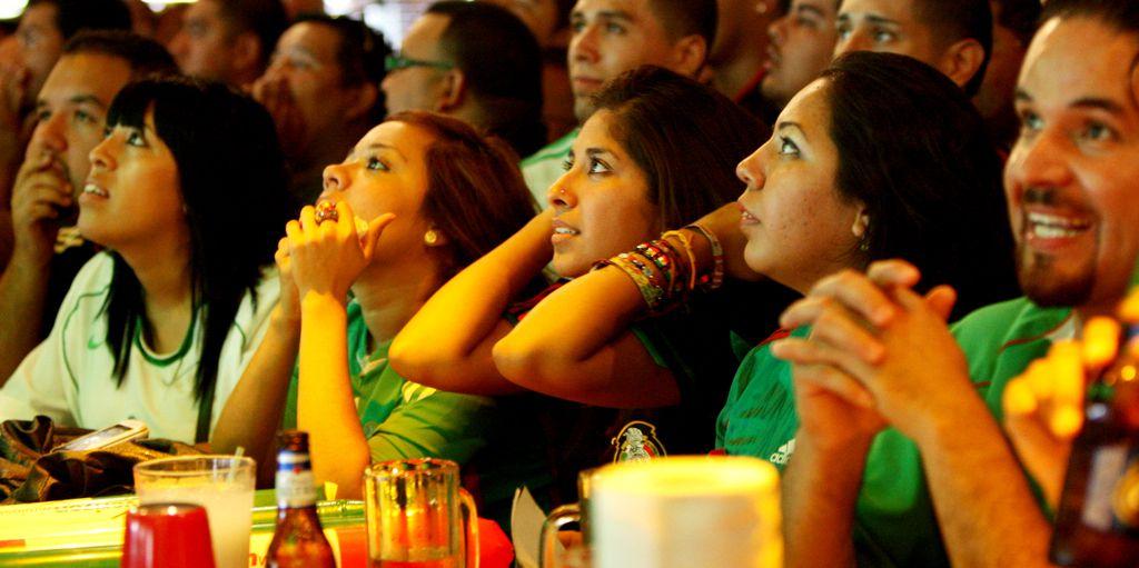 Varios bares de Dallas ofrecerán el partido de la final de la Champions. (Andy Jacobsohn/The Dallas Morning News) 06122010xALDIA 06142014xALDIA