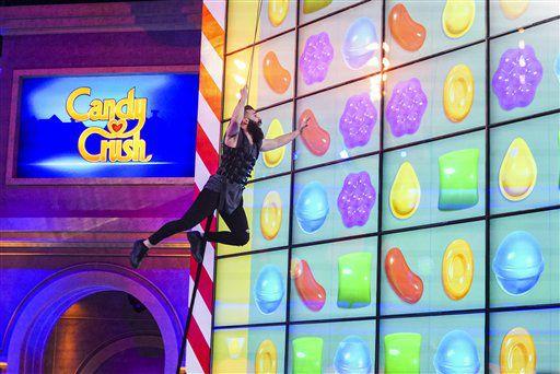 """Paul Abrahamian, exconcursante de """"Big Brother 18"""", compite en el nuevo programa de concursos """"Candy Crush"""" que se estrena el 9 de julio a las 9 p.m. (hora del Este) en CBS en una fotografía proporcionada por CBS. (Sonja Flemming/CBS via AP)"""