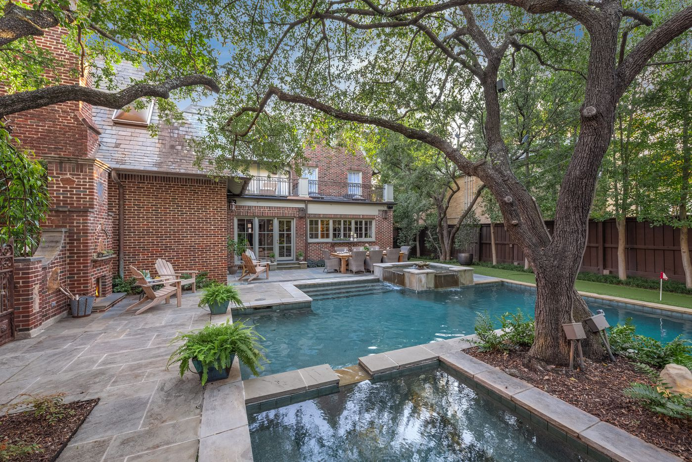A look at the property at 4312 Arcady Avenue in Dallas.