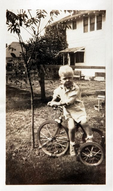 Three-year-old Boone Pickens is a newspaper boy in training at his home in Holdenville. Throwing his hometown newspaper gave Dallas' iconic oilman his entrepreneurial itch.