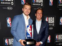 SANTA MONICA, CALIFORNIA - JUNE 24: (L-R) Luka Doncic, winner of the Kia NBA Rookie of the Year award, and Dallas Mavericks owner Mark Cuban pose in the press room during the 2019 NBA Awards presented by Kia at Barker Hangar on June 24, 2019 in Santa Monica, California. (Photo by Joe Scarnici/Getty Images for Turner Sports) ORG XMIT: 775359874