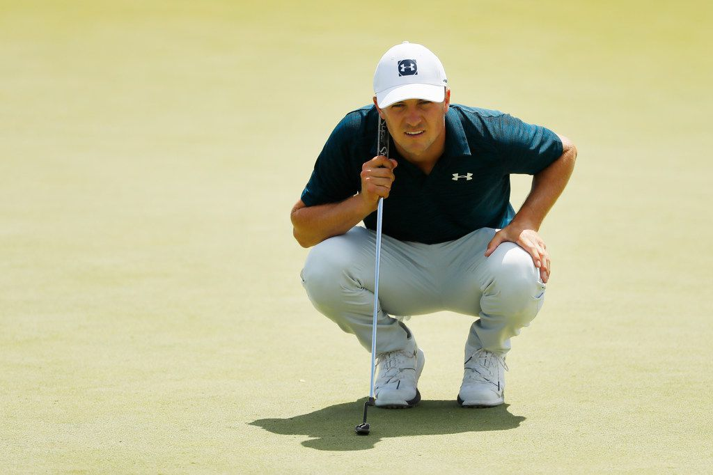 JERSEY CITY, NEW JERSEY - AUGUST 11: Jordan Spieth of the United States lines up a putt on the seventh green during the final round of The Northern Trust at Liberty National Golf Club on August 11, 2019 in Jersey City, New Jersey. (Photo by Kevin C. Cox/Getty Images)