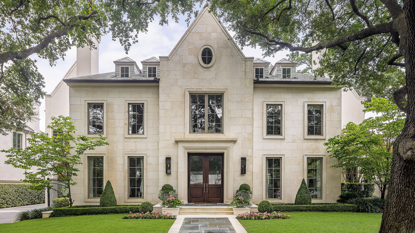 A look at the property at 4430 Bordeaux Avenue in Dallas.