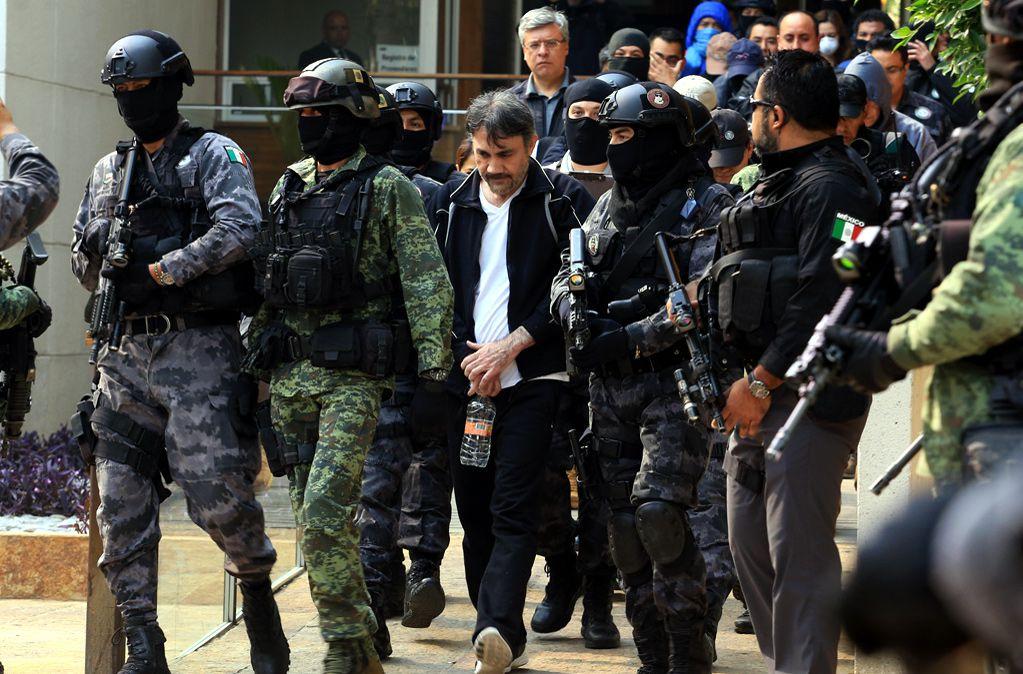 Tras su aprehensión, Dámaso López Núñez permaneció bajo resguardo de agentes federales y de la Secretaría de la Defensa Nacional./ AGENCIA REFORMA