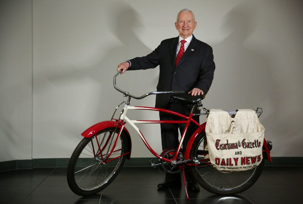Ross Perot used to deliver the Texarkana Gazette and Daily News using a Latonia bicycle he bought from his cousin for $5. Perot was photographed at the Dell headquarters in Plano on Oct 7.
