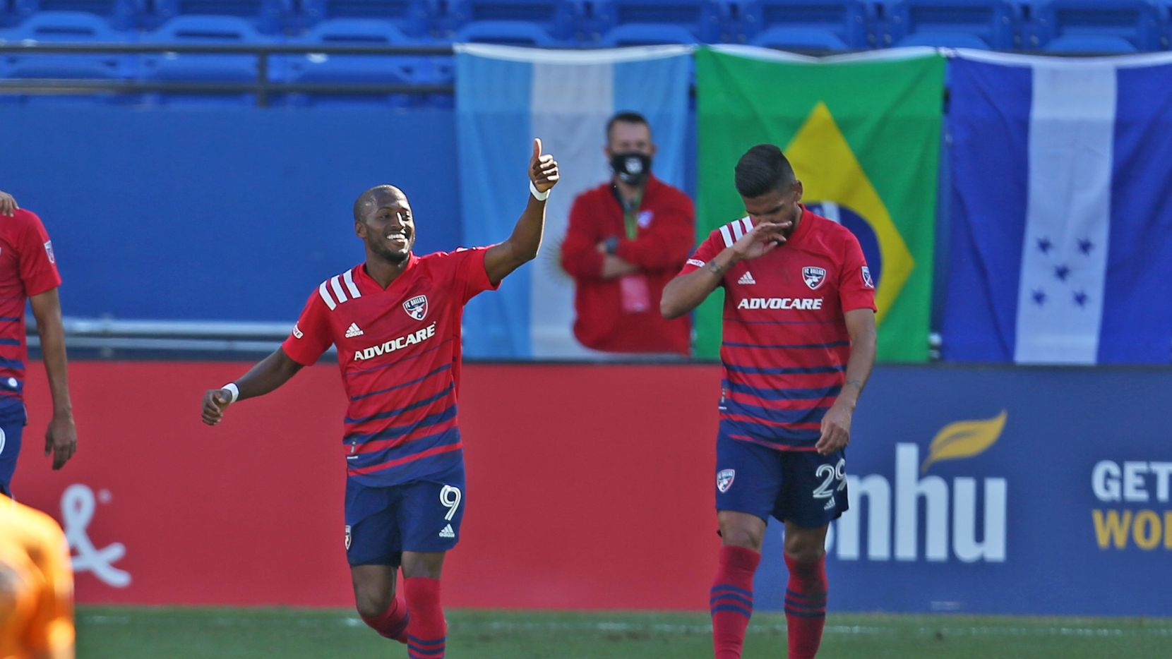 FRISCO, TX - OCTOBER 31: Fafa Picault #9 of FC Dallas celebrates after scores 2nd goal during the MLS game between Houston Dynamo and FC Dallas at Toyota Stadium on October 31, 2020 in Frisco, Texas. (Photo by Omar Vega / Al Dia)
