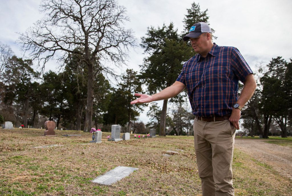Trinity River historian Ben Sandifer, an accountant by day, talks about the final resting place of Anderson McCrew, who died after falling off a train near Waco.