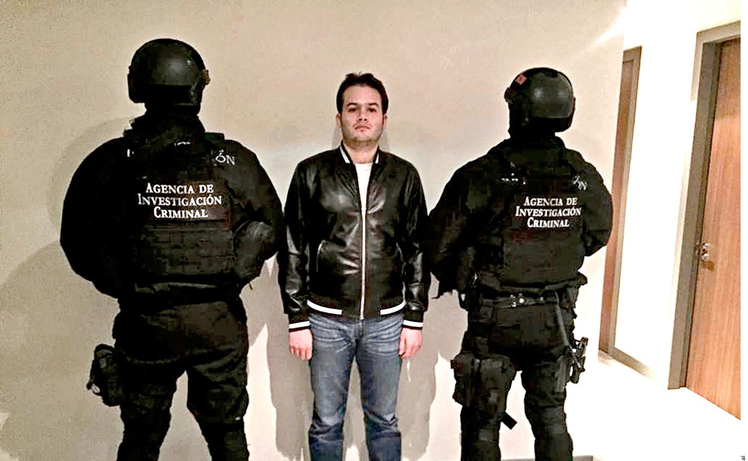 Documentos judiciales confirman que el 24 de enero pasado el Canciller Marcelo Ebrard suscribió la orden de extradición para Víctor Manuel Félix Beltrán; el 29 del mismo mes, el capo escapó del Reclusorio Sur de la Ciudad de México.