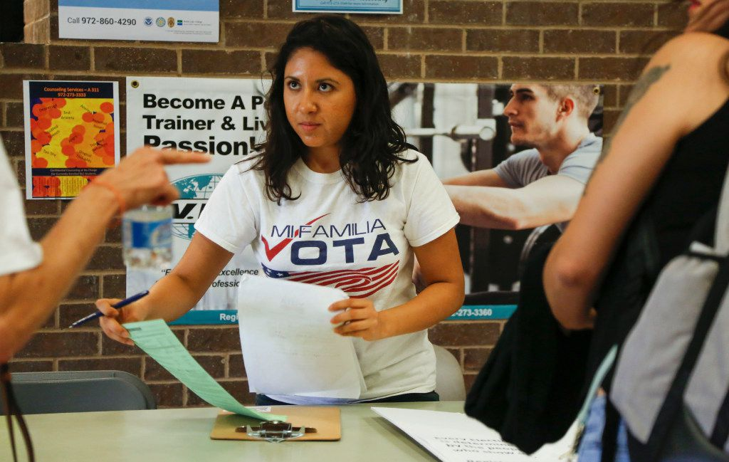 Liz Magallanes, D-FW coordinator of the nonprofit Mi Familia Vota, encourages students to register to vote at North Lake College in Irving. Magallanes, a Mexican immigrant, is a DACA beneficiary.