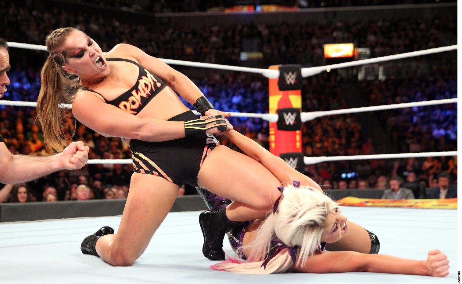 Un accidente casi deja sin un dedo a Ronda Rousey.