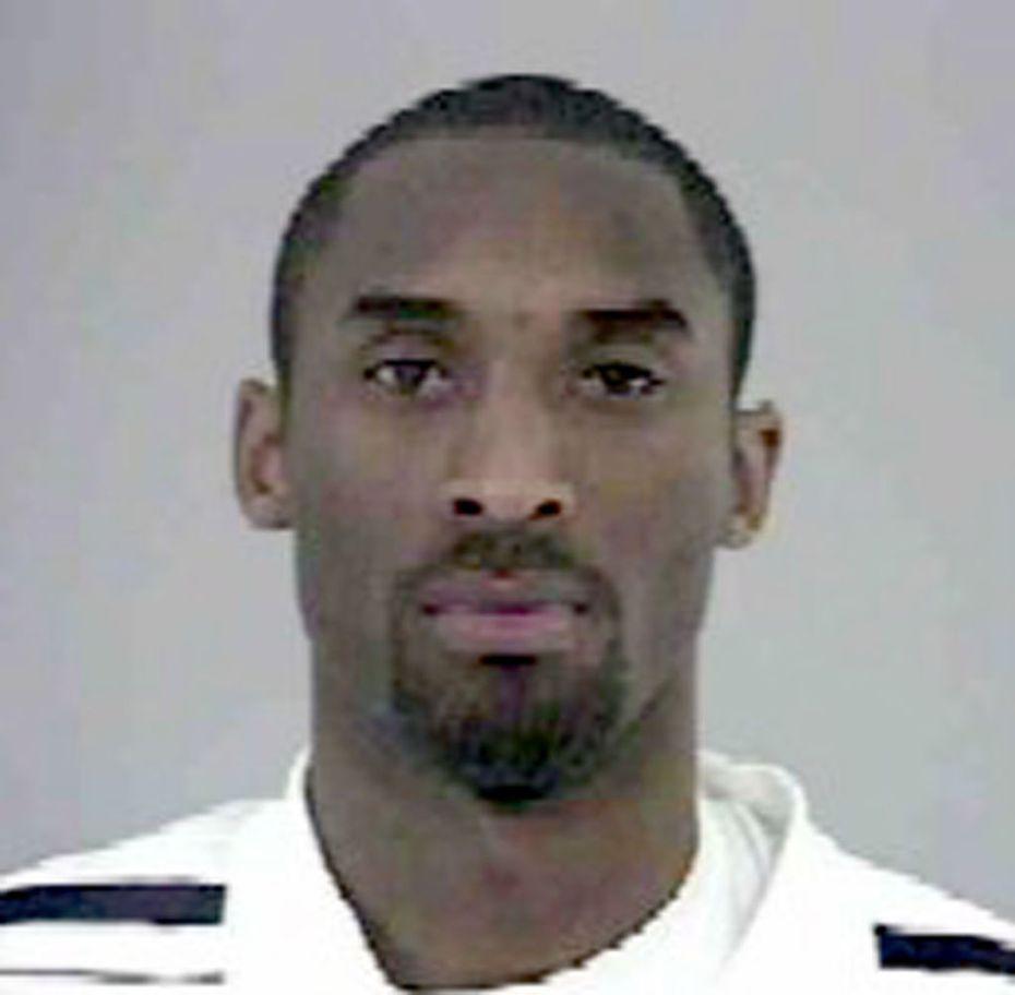 Foto del 11 de julio de 2003 cuando Kobe Bryant fue arrestado por la oficina del Sheriff de Eagle County en Colorado.