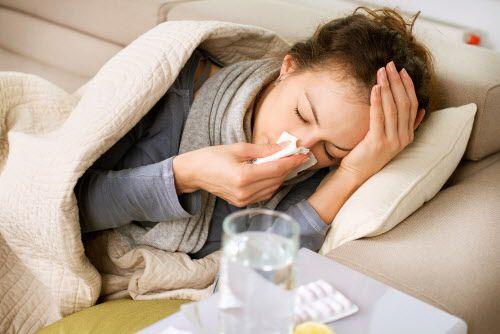 Los Centros para la Prevención y Control de Enfermedades recomiendan que vacunarse es la mejor manera de prevenir la influenza, excepto para los niños menores de 6 meses. Esta inmunización combate 11 tipos de influenza, incluyendo la H1N1. (Dreamstime/TNS)
