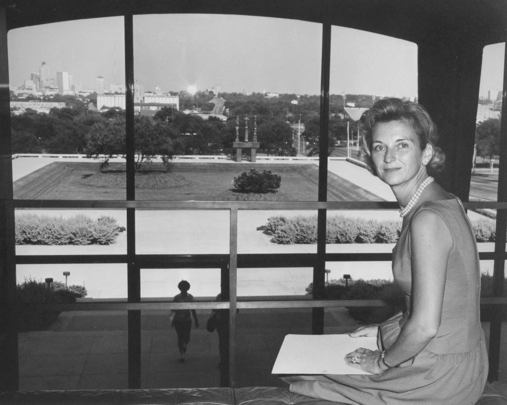 Ruth Carter Stevenson, daughter of Amon Carter Sr., an oilman and philanthropist, at the Amon Carter Museum in 1961. Stevenson died on Jan. 6, 2013 at her home in Fort Worth. She was 89. (Amon Carter Museum of American Art via The New York Times)