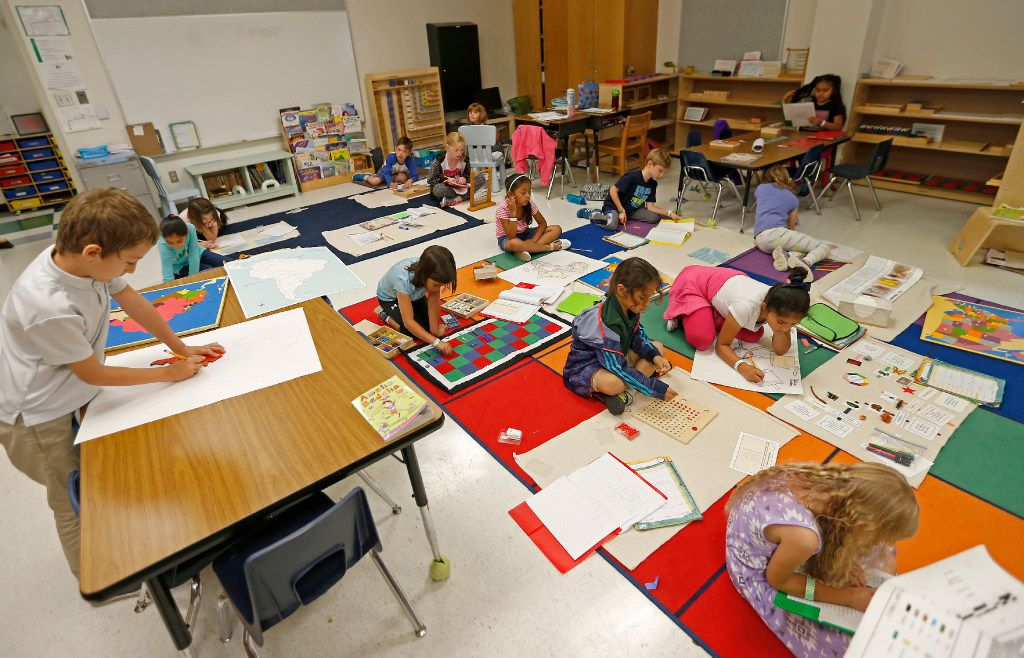 Students work on their classwork in a Lower Elementary General Education class at Mata Montessori in Dallas. (Jae S. Lee/The Dallas Morning News)