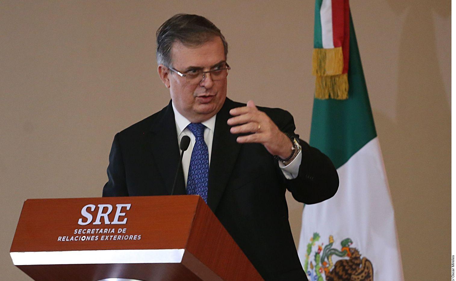 El secretario de Relaciones Exteriores de México, Marcelo Ebrard, se habría destapado como precandidato a la presidencia, en un evento privado reciente.