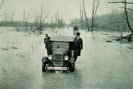 The Great Mississippi River Flood: Highway between Mounds, Illinois, and Cairo Illinois, March 25, 1927. (NOAA/MCT)