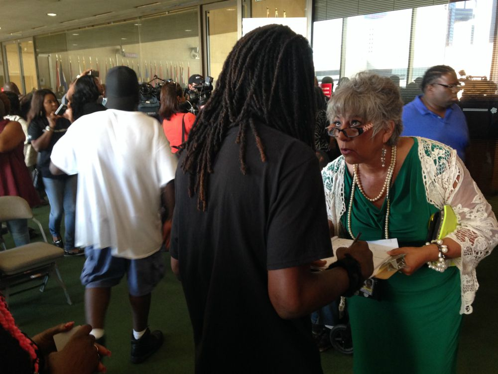 Hundreds of homeless people came to Dallas City Hall ...