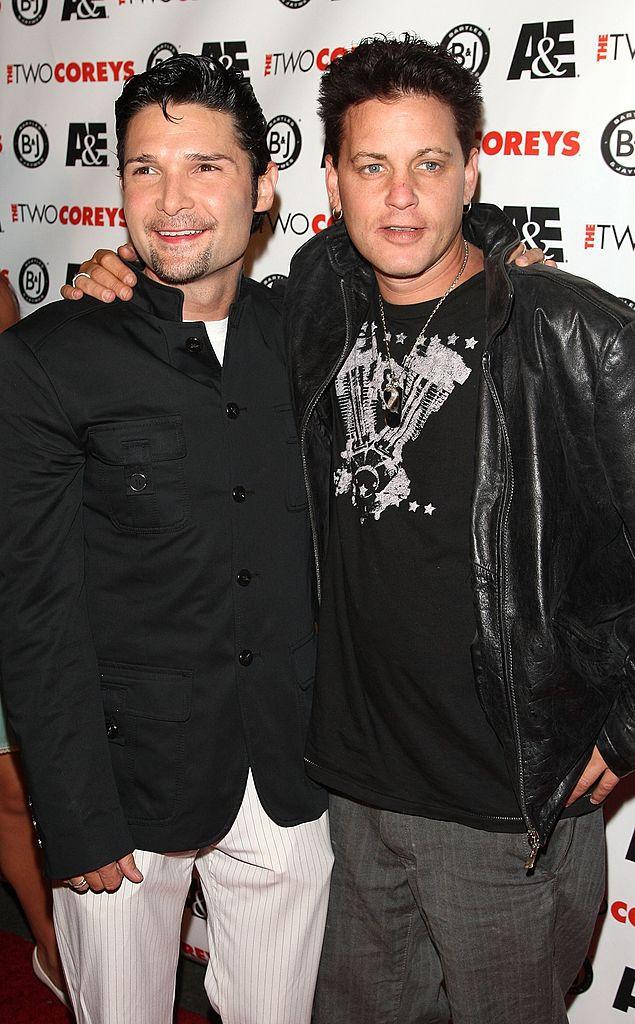 Corey Feldman (izq.), y Corey Haim en foto de archivo de 2007 en Hollywood California.