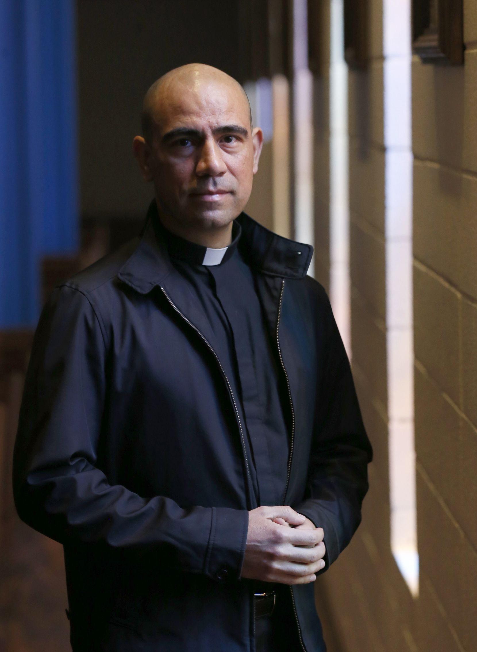 El padre Jesús Belmontes siguió los pasos de su hermano mayor, quien también es sacerdote en la Diócesis de Zamora, Michoacán.