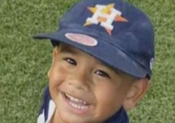 """El pequeño Frankie Delgado III, del área de Houston, falleció de """"ahogamiento en seco"""", una condición inusual."""