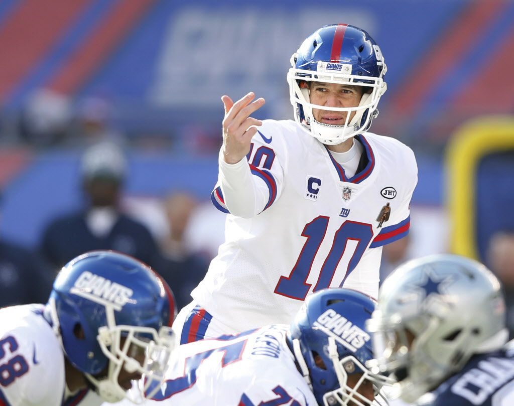 New York Giants quarterback Eli Manning (10) makes adjustments at the line of scrimmage in a game against the Dallas Cowboys during the first half of play at MetLife Stadium in East Rutherford, New Jersey, on Sunday, December 10, 2017. (Vernon Bryant/The Dallas Morning News)