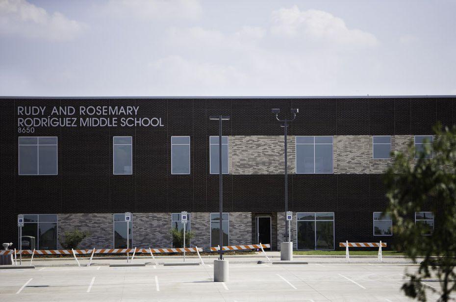 Rodriguez Middle School in  Oak Point