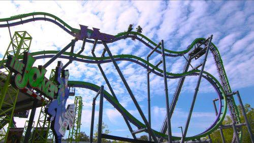 Six Flags Over Texas se quedó sin servicio de agua potable en un día de mucho calor.