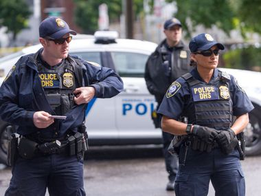 Se reporta el primer detenido indocumentado con covid-19 en cárceles migratorias de Estados Unidos.