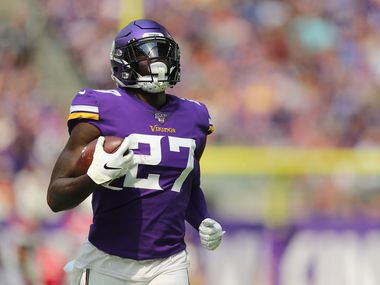 MINNEAPOLIS, MN - AUGUST 24: Jayron Kearse #27 of the Minnesota Vikings runs the ball in the first quarter of pre-season play against the Arizona Cardinals at U.S. Bank Stadium on August 24, 2019 in Minneapolis, Minnesota.
