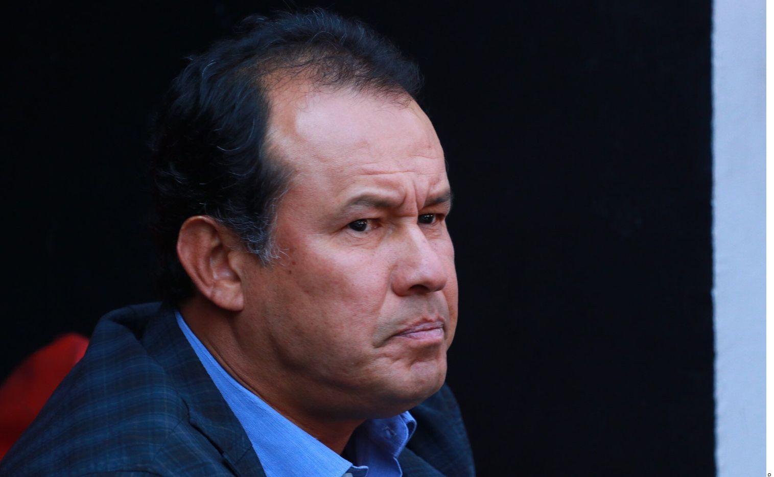 Juan Reynoso jugó con Cruz Azul en la década de 1990.