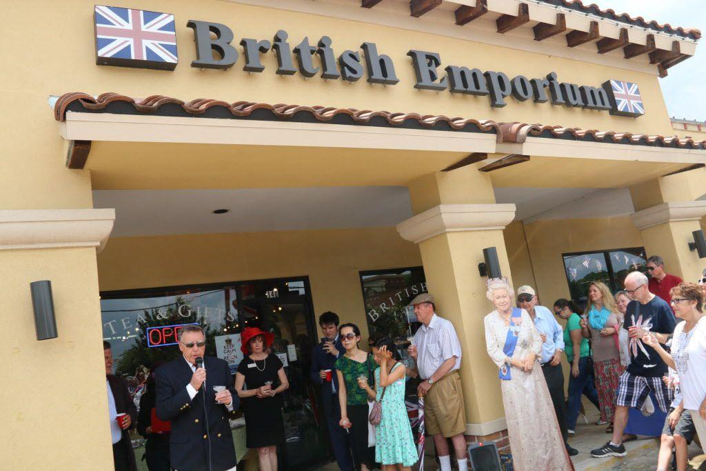 La tienda British Emporium de Grapevine celebró los 90 años de la Reina Elizabeth II en 2016. Foto DMN