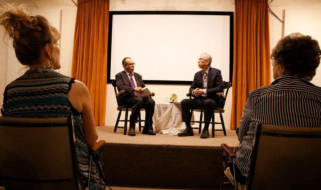 Alfredo Corchado and Tom Huang have a personal conversation about Alfredo's memoir, Homelands, at The Dallas Institute of Humanities in Dallas Wednesday September 25, 2019.  (Brian Elledge/The Dallas Morning News)