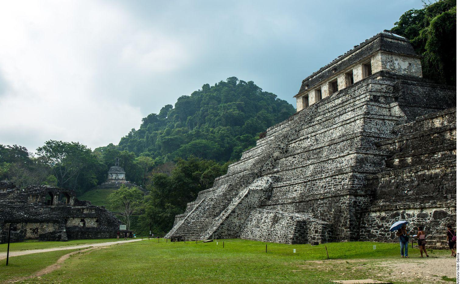 México cuenta con 35 sitios nombrados Patrimonio de la Humanidad, entre ellos Palenque, Chiapas (foto) y Papantla, Veracruz.
