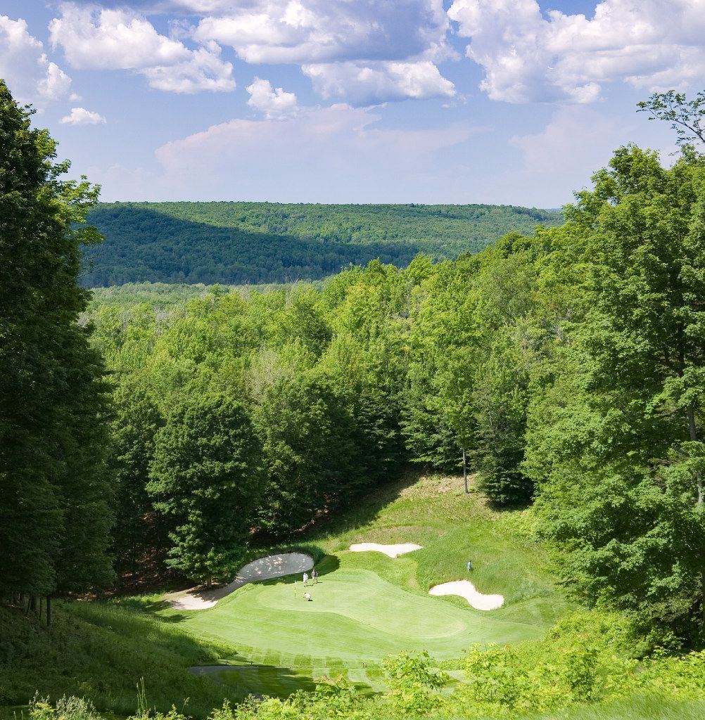 The par-3 Treetops golf course is a rollercoaster fun ride.