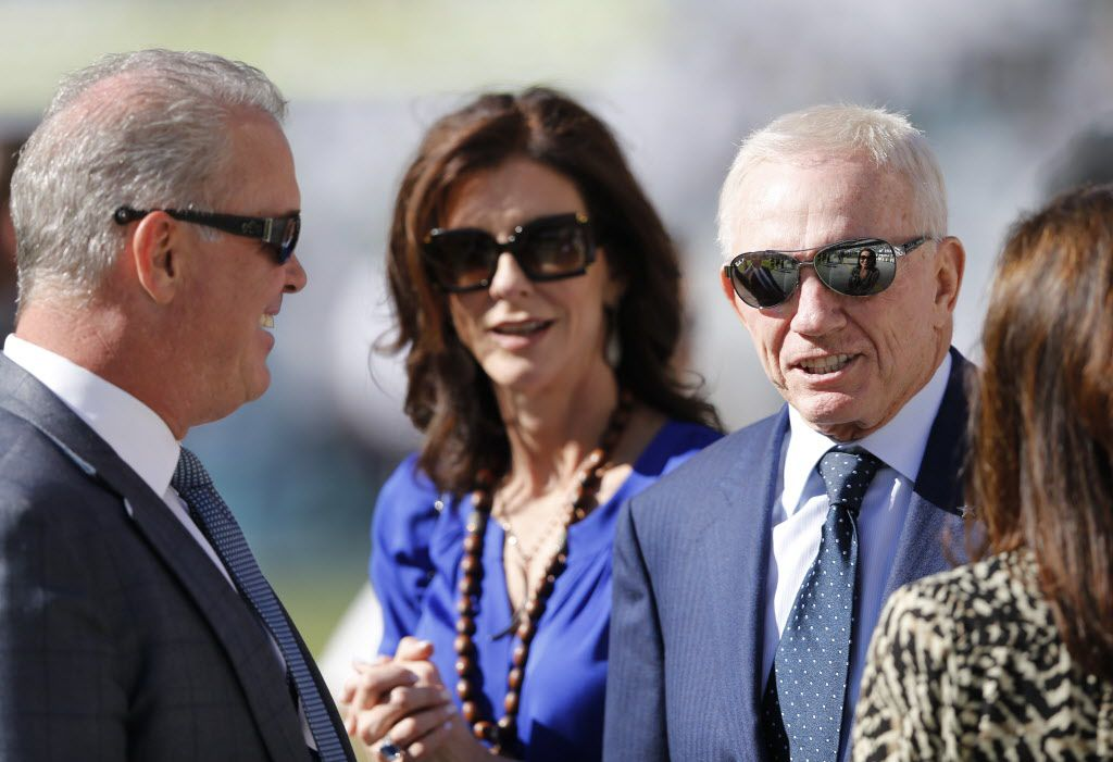 Dallas Cowboys owner Jerry Jones on the sidelines with son Stephen Jones and family before a game against the Philadelphia Eagles at Lincoln Financial Field in Philadelphia, on Sunday, September 20, 2015. (Vernon Bryant/The Dallas Morning News)