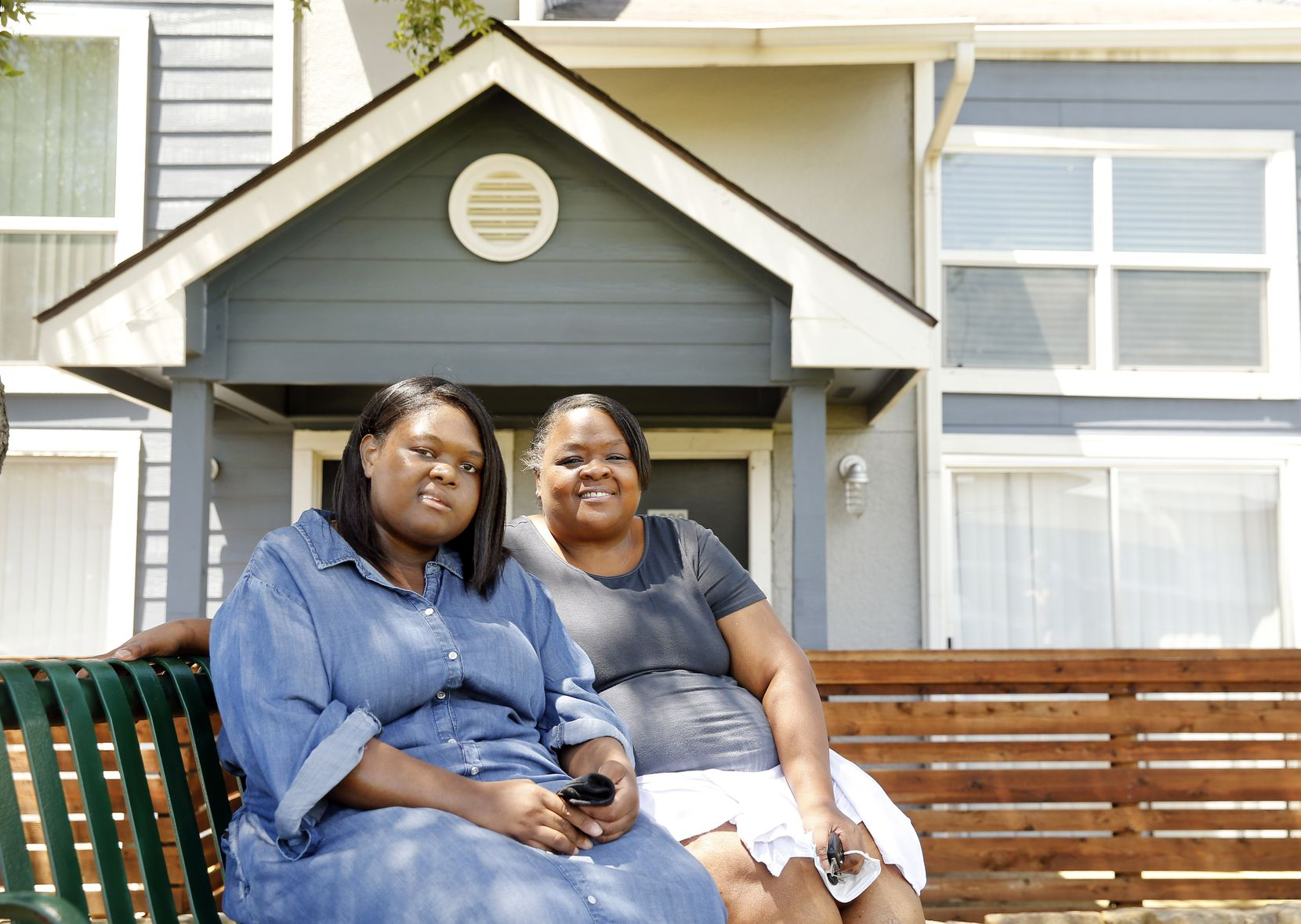 Kiara Hearn (left) and her mother Rhonda Hinton of Irving were both diagnosed with COVID-19, the illness caused by the coronavirus. Hearn was intubated and needed a ventilator to help her breathe. Both have now recovered.