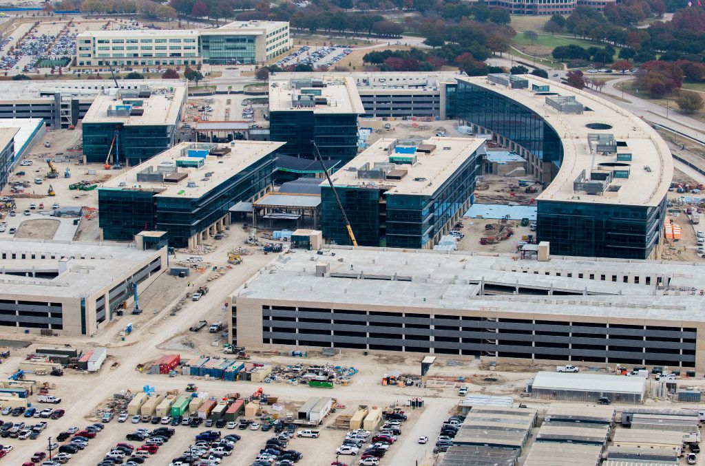 Workers have poured more than 142,500 yards of concrete and used 17,000 tons of reinforcing steel. (Ashley Landis/The Dallas Morning News)