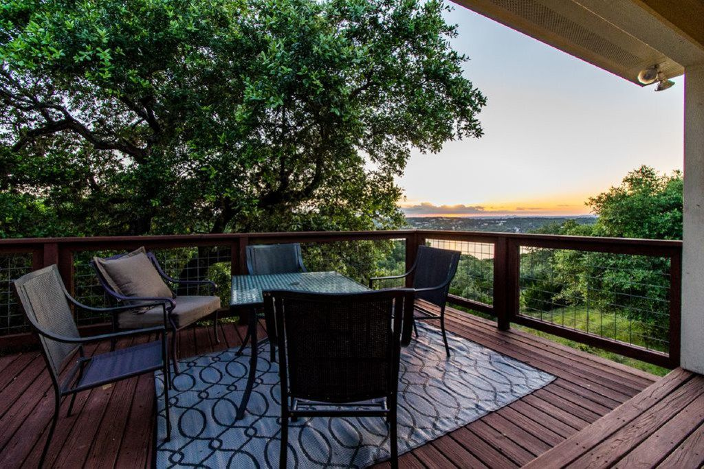 A look at the Sunset Coast listing in VRBO