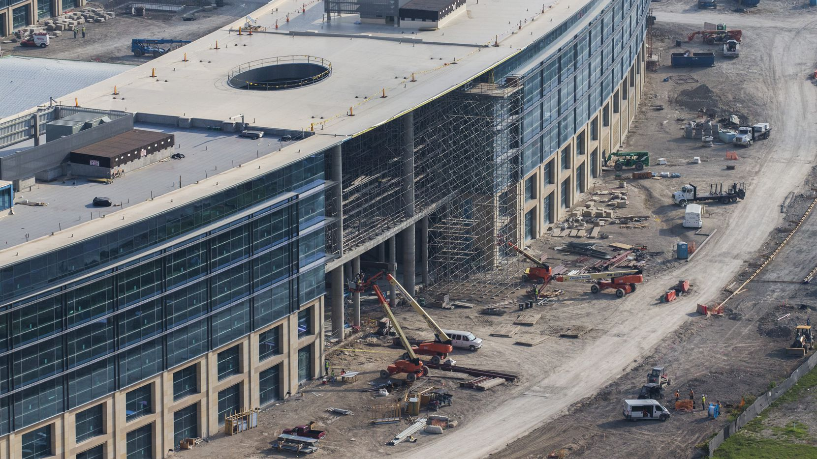 Toyota's new headquarters in Plano opens next summer with more than 4,000 workers.